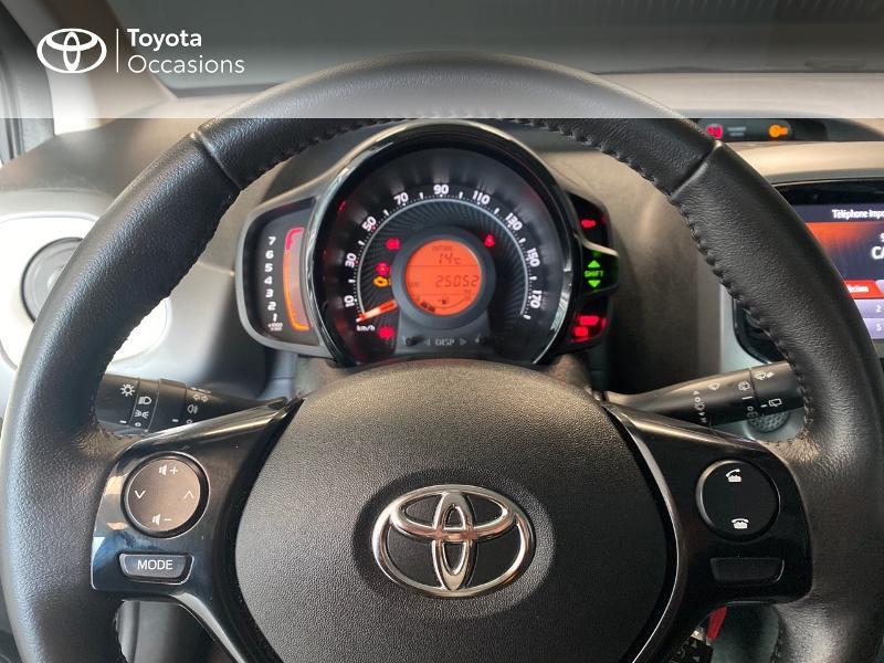 Photo 13 de l'offre de TOYOTA Aygo 1.0 VVT-i 72ch x-play 5p à 9490€ chez Altis - Toyota Lorient