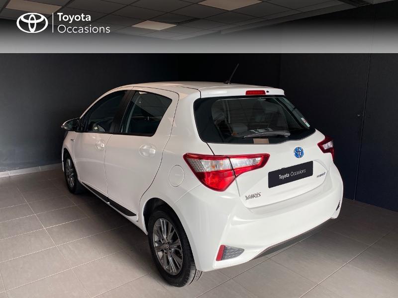 Photo 2 de l'offre de TOYOTA Yaris 100h Dynamic 5p RC18 à 13990€ chez Altis - Toyota Lorient