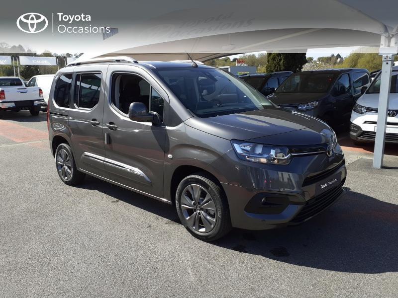 Photo 19 de l'offre de TOYOTA PROACE CITY Verso Medium 1.5 100 D-4D Design à 28190€ chez Altis - Toyota Lorient