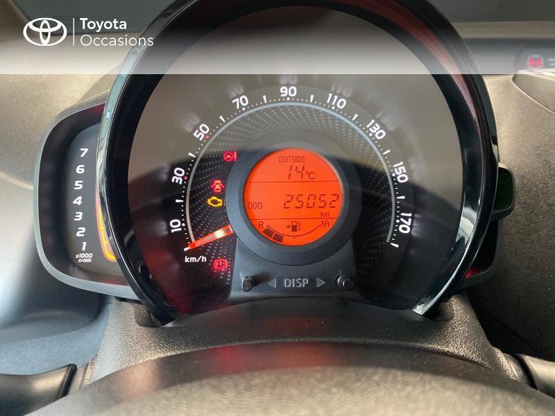 Photo 9 de l'offre de TOYOTA Aygo 1.0 VVT-i 72ch x-play 5p à 9490€ chez Altis - Toyota Lorient