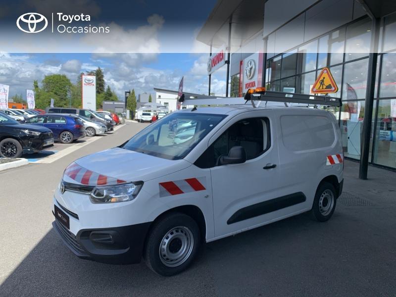 Photo 1 de l'offre de TOYOTA PROACE CITY Medium 75 D-4D Dynamic RC21 à 19990€ chez Altis - Toyota Lorient