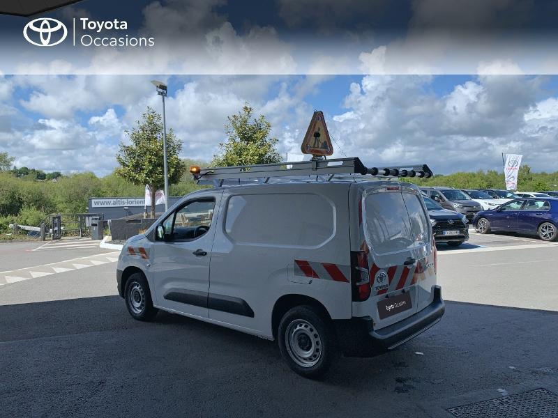Photo 2 de l'offre de TOYOTA PROACE CITY Medium 75 D-4D Dynamic RC21 à 19990€ chez Altis - Toyota Lorient