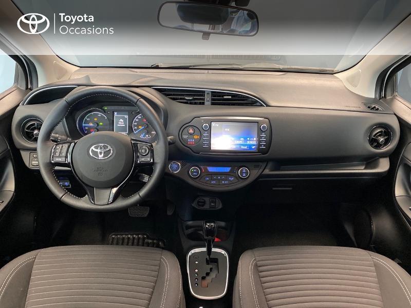 Photo 12 de l'offre de TOYOTA Yaris 100h Dynamic 5p RC18 à 13990€ chez Altis - Toyota Lorient