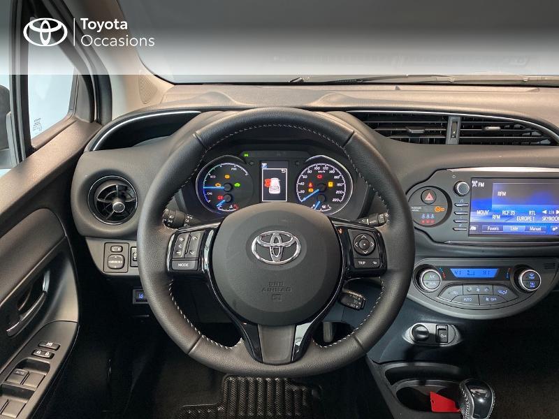 Photo 8 de l'offre de TOYOTA Yaris 100h Dynamic 5p RC18 à 13990€ chez Altis - Toyota Lorient