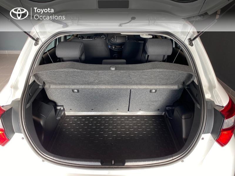Photo 10 de l'offre de TOYOTA Yaris 100h Dynamic 5p RC18 à 13990€ chez Altis - Toyota Lorient