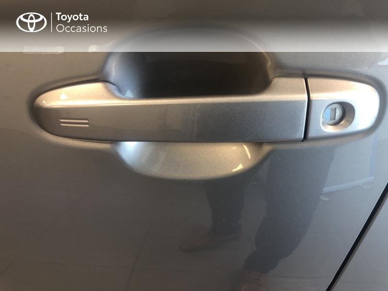 Photo 19 de l'offre de TOYOTA C-HR 122h Edition 2WD E-CVT RC18 à 19980€ chez Altis - Toyota Lorient