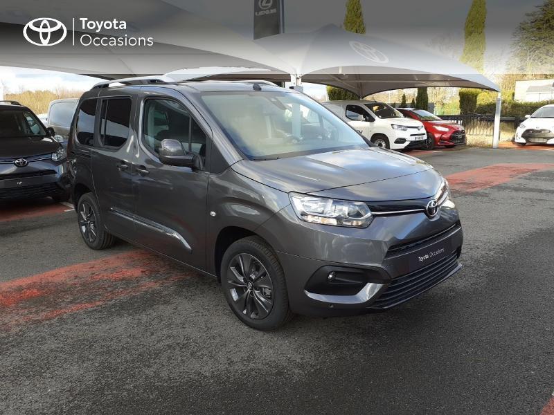 Photo 19 de l'offre de TOYOTA PROACE CITY Verso Medium 1.5 100 D-4D Design RC21 à 28590€ chez Altis - Toyota Lorient
