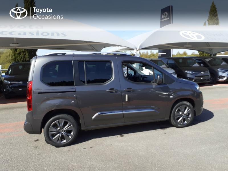 Photo 17 de l'offre de TOYOTA PROACE CITY Verso Medium 1.5 100 D-4D Design à 28190€ chez Altis - Toyota Lorient