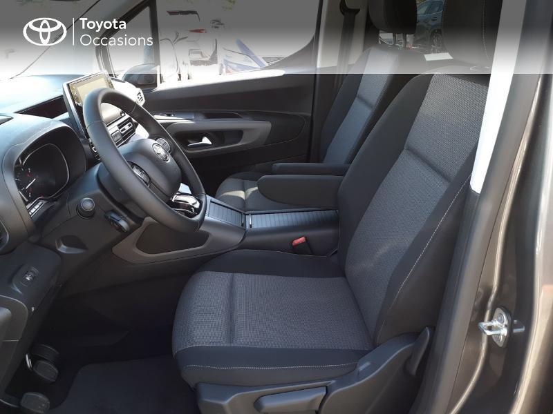 Photo 11 de l'offre de TOYOTA PROACE CITY Verso Medium 1.5 100 D-4D Design à 28190€ chez Altis - Toyota Lorient