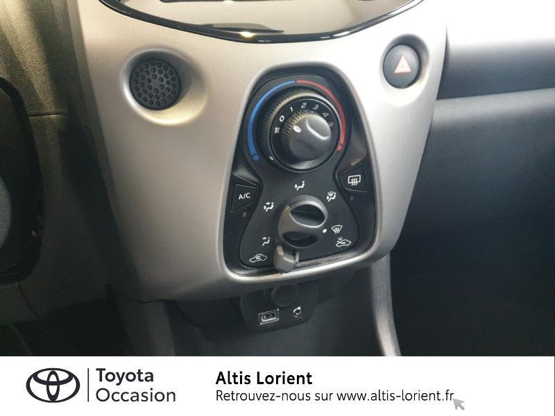 Photo 9 de l'offre de TOYOTA Aygo 1.0 VVT-i 72ch x-play 5p à 11490€ chez Altis - Toyota Lorient