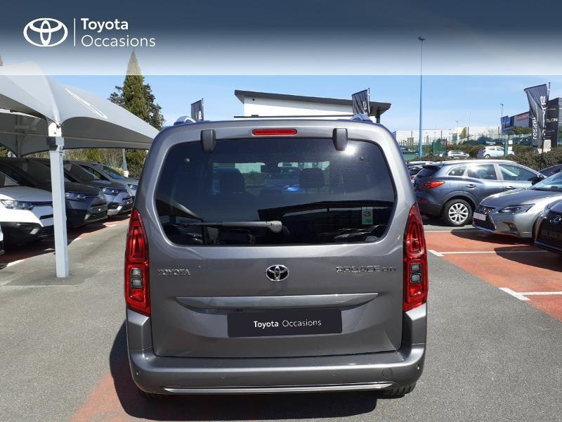 Photo 4 de l'offre de TOYOTA PROACE CITY Verso Medium 1.5 100 D-4D Design à 28190€ chez Altis - Toyota Lorient