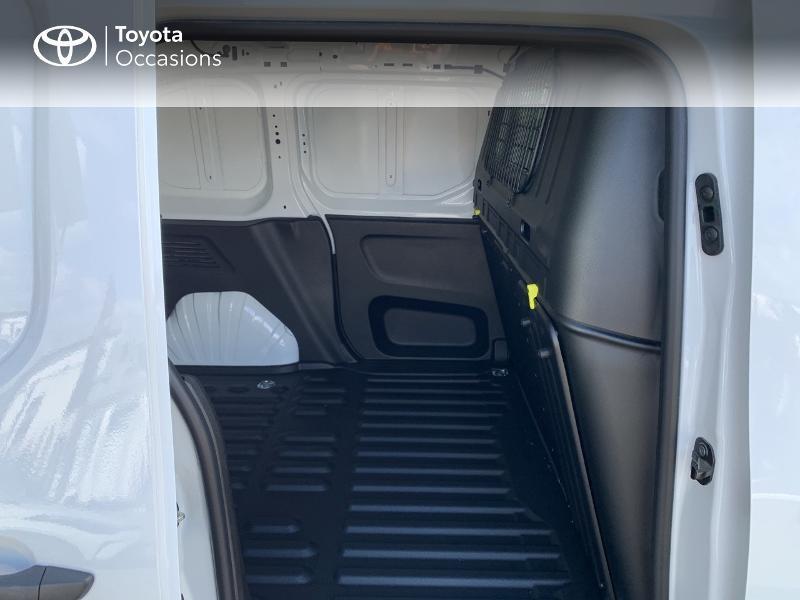 Photo 12 de l'offre de TOYOTA PROACE CITY Medium 75 D-4D Dynamic RC21 à 19990€ chez Altis - Toyota Lorient