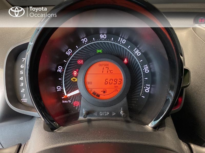 Photo 15 de l'offre de TOYOTA Aygo 1.0 VVT-i 72ch x-play 3p MY20 à 10490€ chez Altis - Toyota Lorient