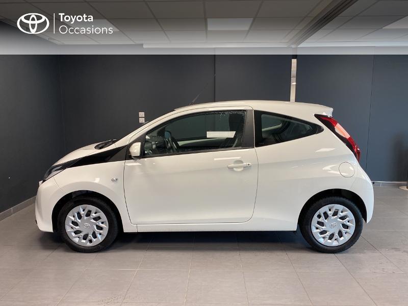 Photo 3 de l'offre de TOYOTA Aygo 1.0 VVT-i 72ch x-play 3p MY20 à 10490€ chez Altis - Toyota Lorient