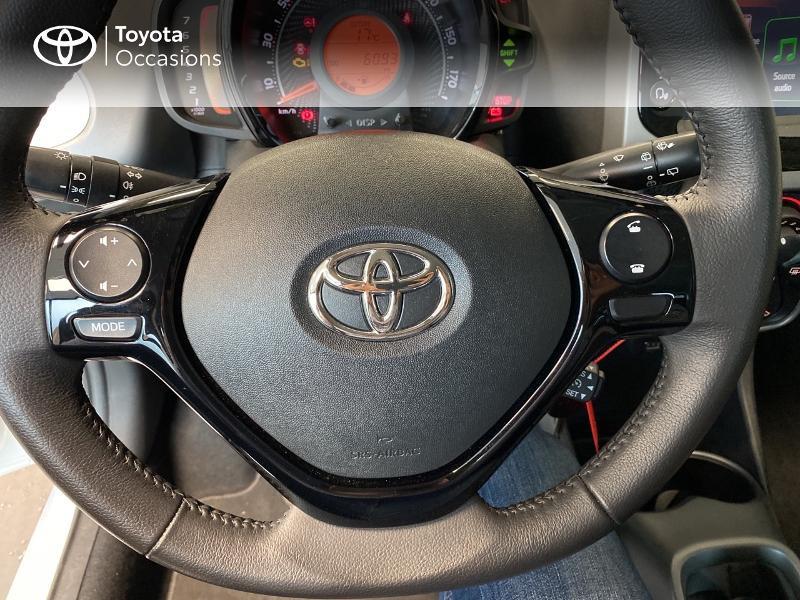 Photo 19 de l'offre de TOYOTA Aygo 1.0 VVT-i 72ch x-play 3p MY20 à 10490€ chez Altis - Toyota Lorient