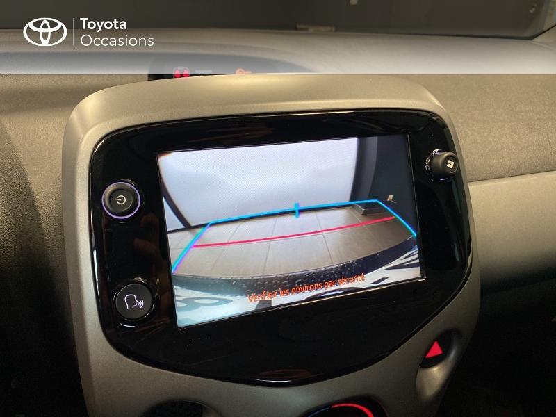 Photo 13 de l'offre de TOYOTA Aygo 1.0 VVT-i 72ch x-play 3p MY20 à 10490€ chez Altis - Toyota Lorient