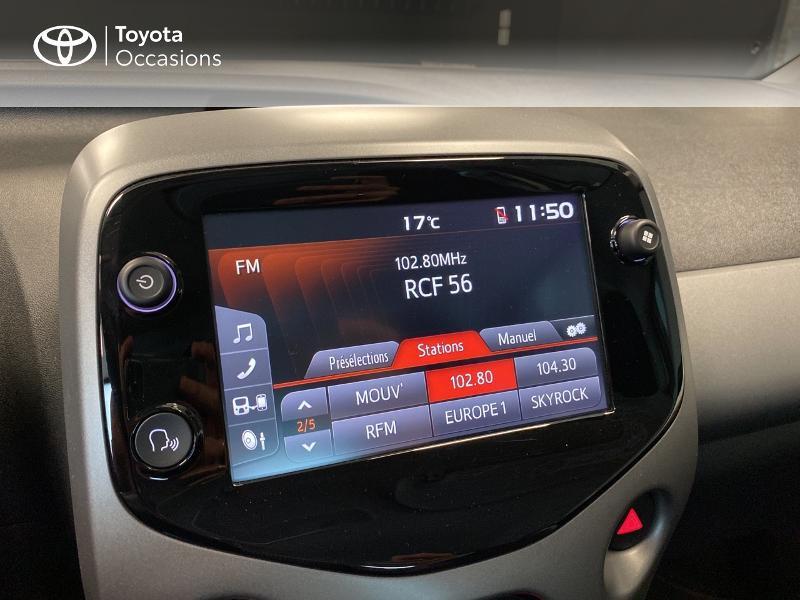 Photo 11 de l'offre de TOYOTA Aygo 1.0 VVT-i 72ch x-play 3p MY20 à 10490€ chez Altis - Toyota Lorient