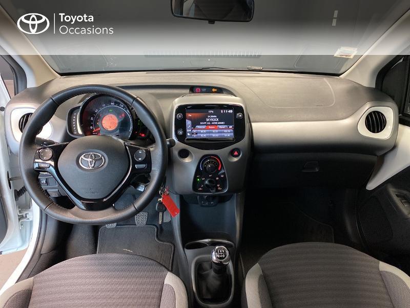 Photo 12 de l'offre de TOYOTA Aygo 1.0 VVT-i 72ch x-play 3p MY20 à 10490€ chez Altis - Toyota Lorient