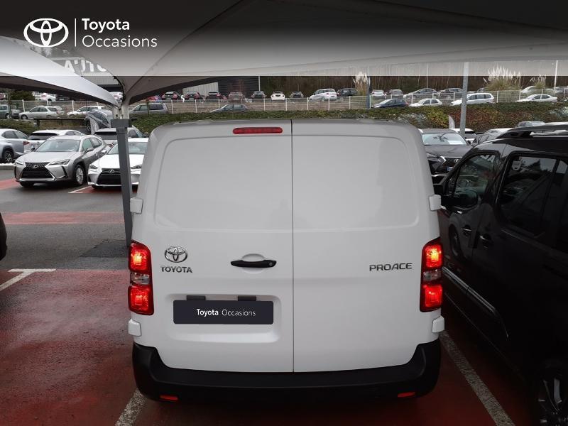 Photo 4 de l'offre de TOYOTA PROACE Compact 1.5 D-4D 100 Dynamic MY20 à 22490€ chez Altis - Toyota Lorient