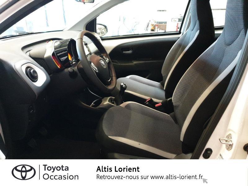 Photo 13 de l'offre de TOYOTA Aygo 1.0 VVT-i 72ch x-play 5p MY20 à 11890€ chez Altis - Toyota Lorient