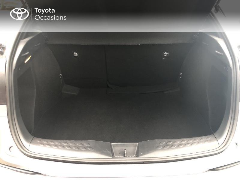 Photo 15 de l'offre de TOYOTA C-HR 122h Design 2WD E-CVT RC18 à 22890€ chez Altis - Toyota Vannes