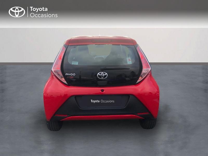 Photo 4 de l'offre de TOYOTA Aygo 1.0 VVT-i 69ch x-red 5p à 8680€ chez Altis - Toyota Vannes