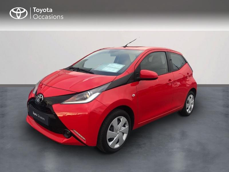 Photo 1 de l'offre de TOYOTA Aygo 1.0 VVT-i 69ch x-red 5p à 8680€ chez Altis - Toyota Vannes