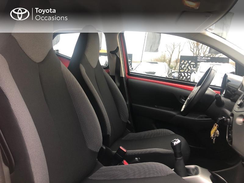 Photo 6 de l'offre de TOYOTA Aygo 1.0 VVT-i 69ch x-red 5p à 8680€ chez Altis - Toyota Vannes