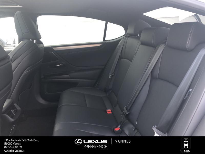 Photo 14 de l'offre de LEXUS ES 300h F SPORT Executive à 45890€ chez Altis - Toyota Vannes