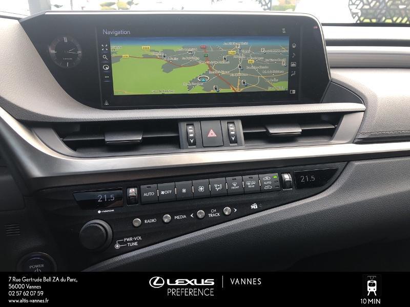 Photo 7 de l'offre de LEXUS ES 300h F SPORT Executive à 45890€ chez Altis - Toyota Vannes