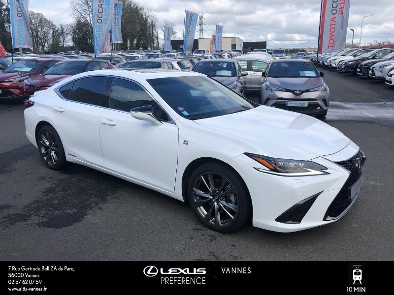 Photo 17 de l'offre de LEXUS ES 300h F SPORT Executive à 45890€ chez Altis - Toyota Vannes