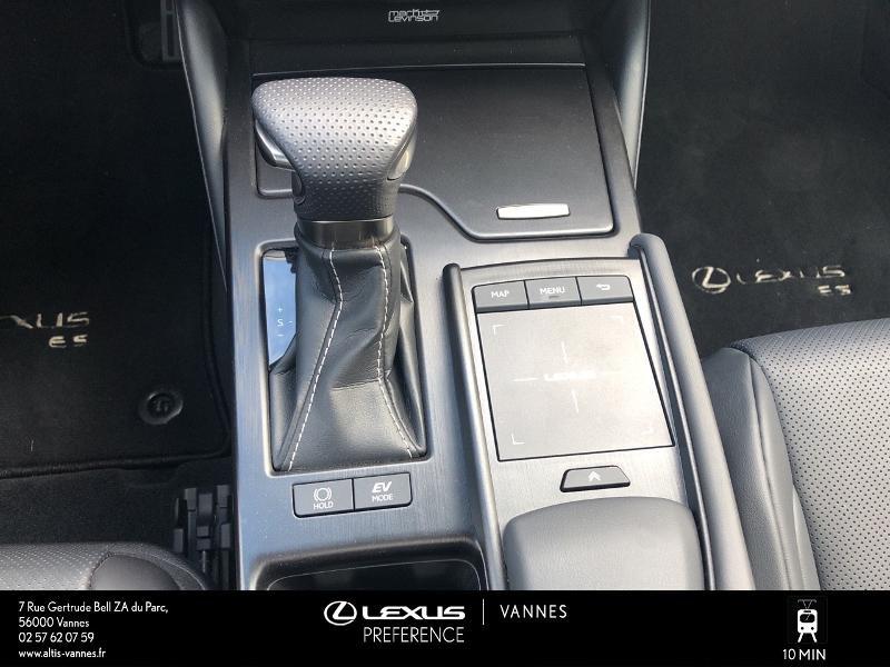 Photo 9 de l'offre de LEXUS ES 300h F SPORT Executive à 45890€ chez Altis - Toyota Vannes