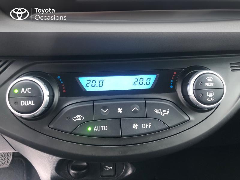 Photo 22 de l'offre de TOYOTA Yaris 100h France 5p RC18 à 12980€ chez Altis - Toyota Vannes