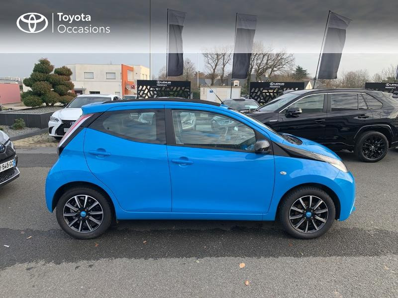 Photo 17 de l'offre de TOYOTA Aygo 1.0 VVT-i 69ch x-wave 2 5p à 8980€ chez Altis - Toyota Vannes