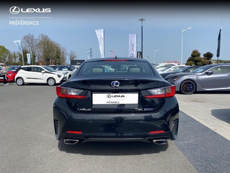 Photo 26 de l'offre de LEXUS RC 300h F SPORT Executive à 39980€ chez Altis - Toyota Vannes