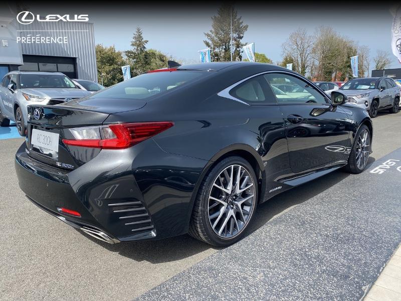 Photo 18 de l'offre de LEXUS RC 300h F SPORT Executive à 39980€ chez Altis - Toyota Vannes