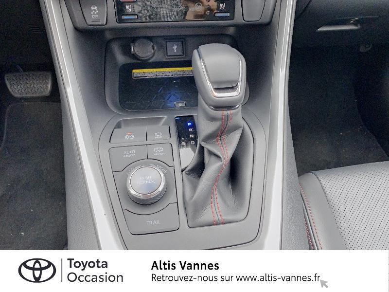 Photo 9 de l'offre de TOYOTA RAV4 Hybride Rechargeable 306ch Collection AWD à 57480€ chez Altis - Toyota Vannes