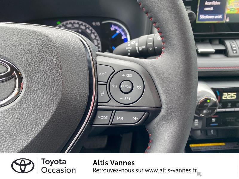 Photo 10 de l'offre de TOYOTA RAV4 Hybride Rechargeable 306ch Collection AWD à 57480€ chez Altis - Toyota Vannes