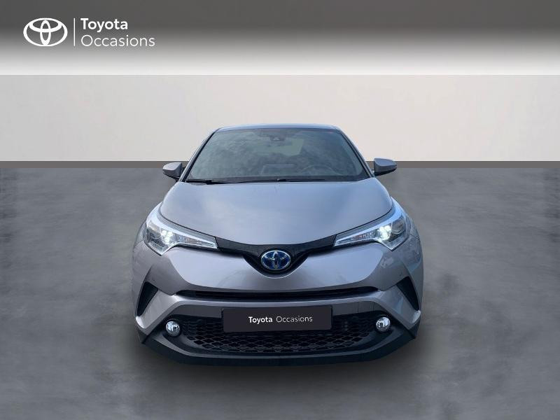 Photo 5 de l'offre de TOYOTA C-HR 122h Distinctive 2WD E-CVT à 20980€ chez Altis - Toyota Vannes