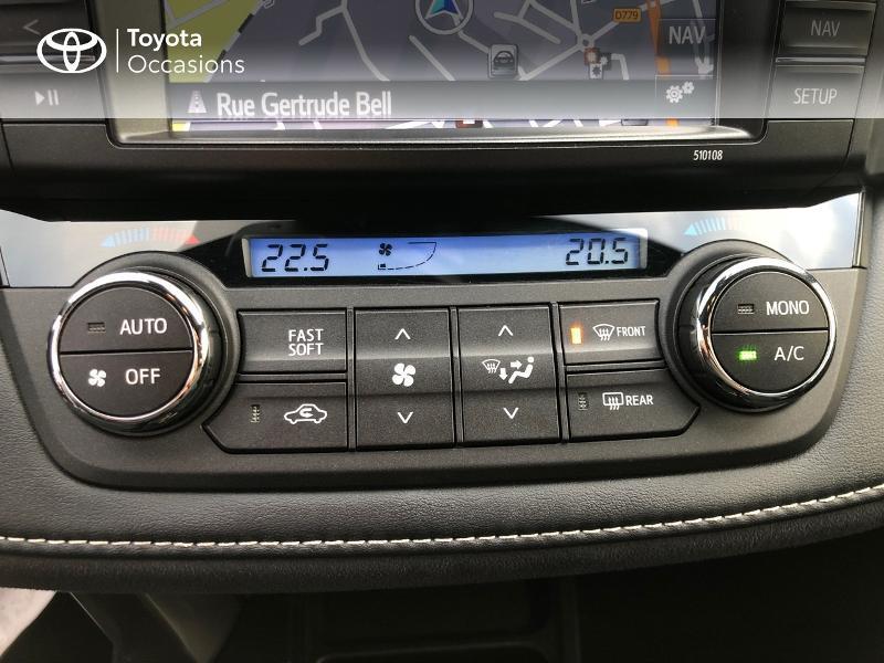 Photo 22 de l'offre de TOYOTA RAV4 197 Hybride Design 2WD CVT à 21980€ chez Altis - Toyota Vannes