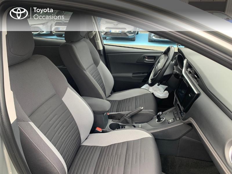 Photo 6 de l'offre de TOYOTA Auris HSD 136h Design à 16690€ chez Altis - Toyota Vannes