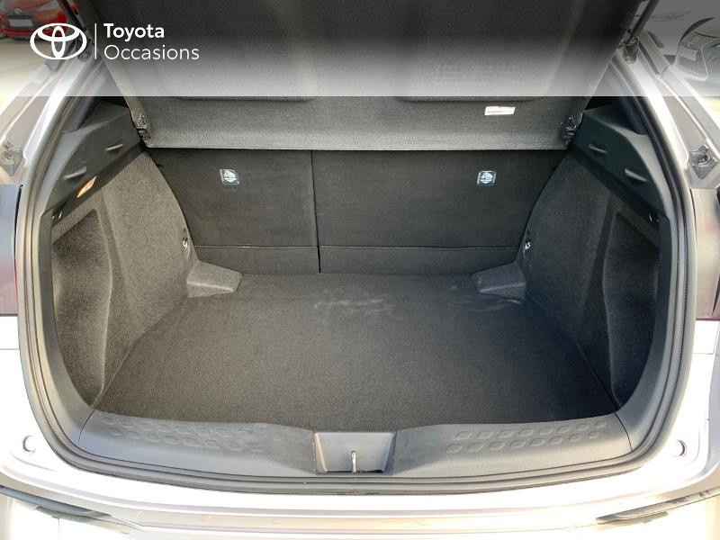 Photo 10 de l'offre de TOYOTA C-HR 122h Distinctive 2WD E-CVT à 20980€ chez Altis - Toyota Vannes