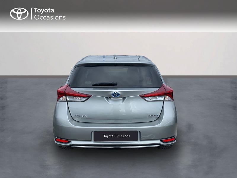 Photo 4 de l'offre de TOYOTA Auris HSD 136h Design à 16690€ chez Altis - Toyota Vannes