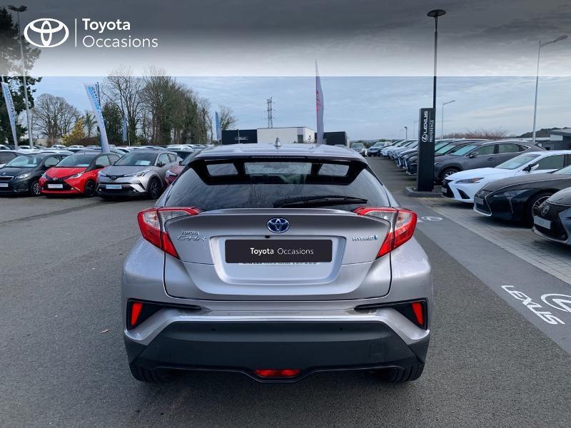 Photo 28 de l'offre de TOYOTA C-HR 122h Distinctive 2WD E-CVT à 20980€ chez Altis - Toyota Vannes