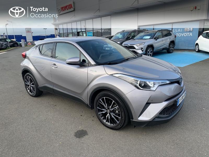 Photo 19 de l'offre de TOYOTA C-HR 122h Distinctive 2WD E-CVT à 20980€ chez Altis - Toyota Vannes