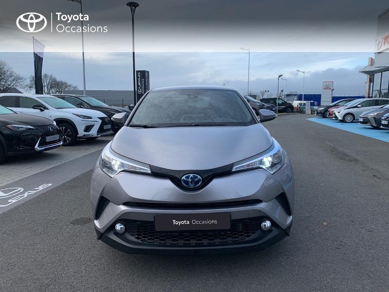 Photo 29 de l'offre de TOYOTA C-HR 122h Distinctive 2WD E-CVT à 20980€ chez Altis - Toyota Vannes