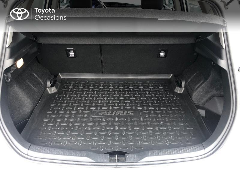 Photo 10 de l'offre de TOYOTA Auris HSD 136h Design à 17490€ chez Altis - Toyota Vannes