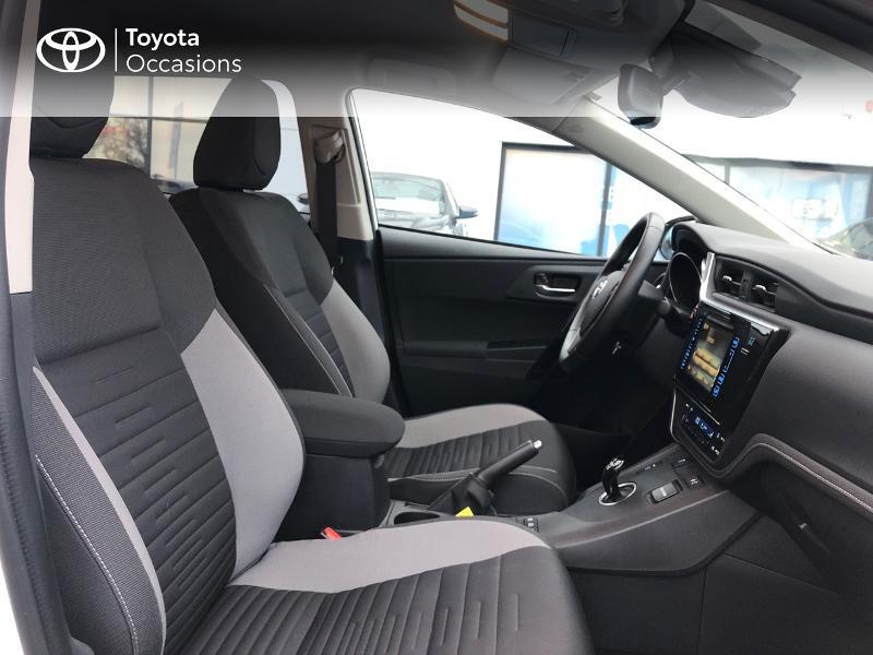 Photo 6 de l'offre de TOYOTA Auris HSD 136h Design à 17490€ chez Altis - Toyota Vannes