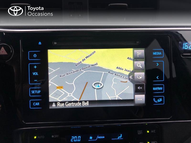 Photo 15 de l'offre de TOYOTA Auris HSD 136h Design à 17490€ chez Altis - Toyota Vannes