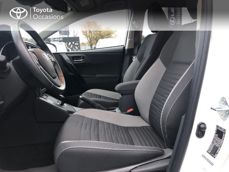 Photo 11 de l'offre de TOYOTA Auris HSD 136h Design à 17490€ chez Altis - Toyota Vannes